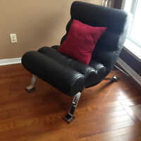 Lind Leather Chair