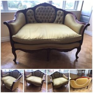 Antique Settee Hand Carved Victorian Love Seat Sofa Couch