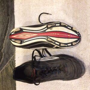 Umbrio Men's Soccer Shoes - size 11