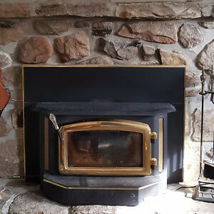 WOOD INSERT FIREPLACE - Great for home or cottage