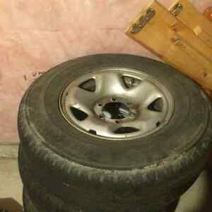 Toyota Tacoma 2011 rims and tires