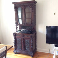Antique cabinet with hutch