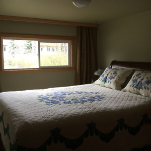 furnished room for rent in Harvie Heights