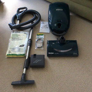 POWERFUL KENMORE CANISTER VACUUM CLEANER