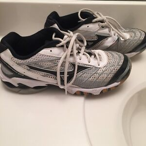 VolleyBall Shoes Size 8