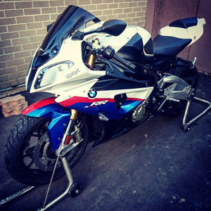 MINT 2010 BMW S1000RR WITH LOTS OF EXTRAS 18000 KMS ONLY!!!!!!!