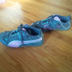 Size 13 Girls Puma running shoes - almost new