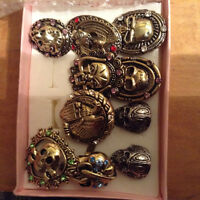 Skull rings- 8 gold, 2 silver and black