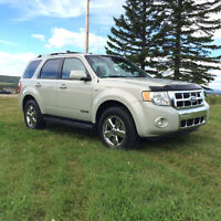 2008 Ford Escape Limited Edition Htd Leather, moon roof 59500km