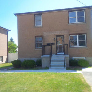 $850 2 Bedroom Lower Level Apartment - Sept 1- 917 Division St