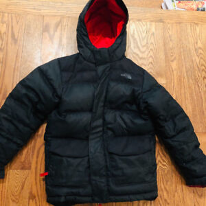 Boys North Face Winter Jacket with Hood - Black (size Large)