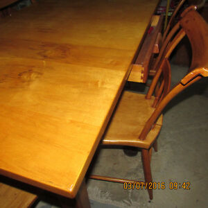 SOLID PINE TABLE WITH DOVE TAILED DRAWER Kingston Kingston Area image 2