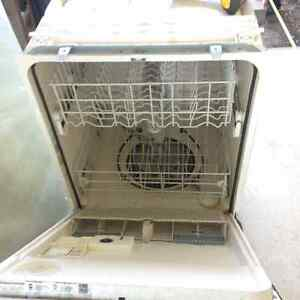 Stainless Steel Whirlpool dishwasher Peterborough Peterborough Area image 2