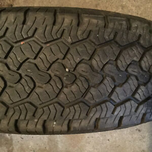 BFG RUGGED TRAIL LT 245 75 17 in excellent condition