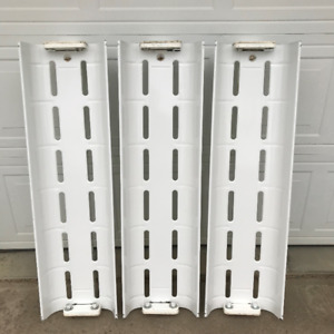 3 Commercial grade fluorescent fixtures! Excellent Condition!