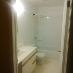LARGE CLEAN BRIGHT 2 BEDROOM FOR RENT