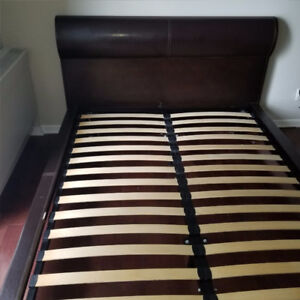 MODERN BLACK WOOD & LEATHER QUEEN SIZE MOBILIA BED FRAME 85% OFF