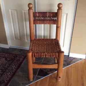 Chaises en pin, tressées en cuir, fabrication québécoise Saint-Hyacinthe Québec image 3
