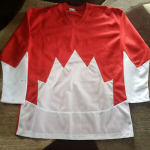 Autographed Bobby Clarke Team Canada 1972 Summit Series Jersey