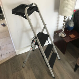 Gorilla 3 Step Ladder With Tray Commercial Type II Grade