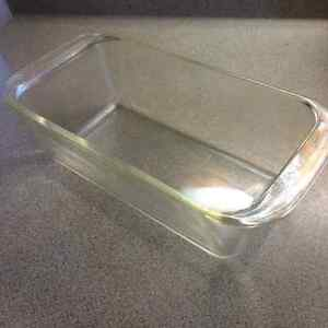 Pyrex Glass Loaf Pan. Made in USA! Oven Safe, Microwave safe