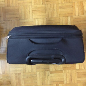 Moving sale: Samsonite lift/ carry on/ boarding luggage new