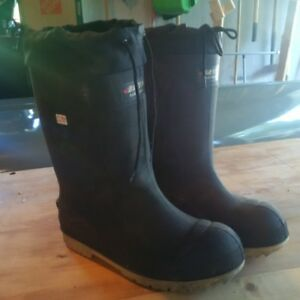 Baffin Titan -100 Boots with safety toe and shank - size 13