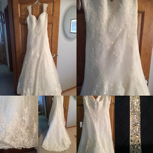 Reduced! Brand new, beautiful French lace ivory wedding dress