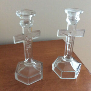Crucifix en verre transparent