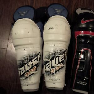 Hockey Equipment - Shin Pads and Pants Belleville Belleville Area image 2