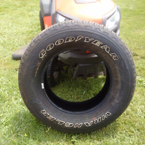 4 Goodyear Fortitude HT - 275/65/18 - like new condition