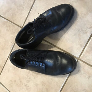 APEX MENS DRESS SHOES SZ 9 EXTRA WIDE