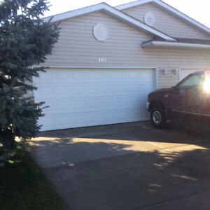 Three Bedroom Villa in High River for Retired Couple.