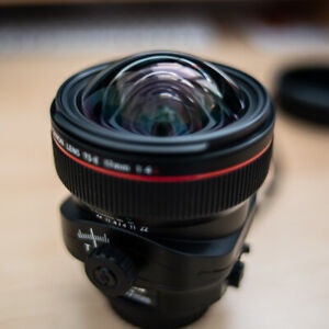 Canon TS-E 17mm f/4L Tilt Shift Lens