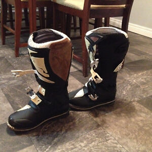 Thor dirtbike boots size 8