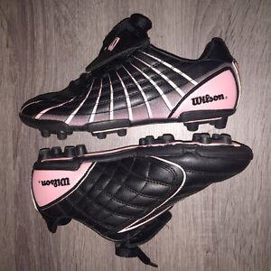 *Never Worn* Wilson Cleats - Size 5 (Youth Girls)