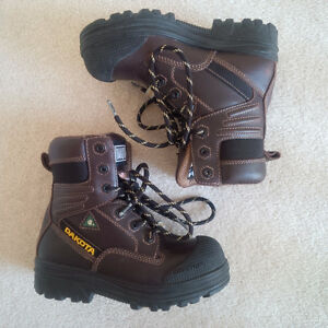 Women's Dakota Safety Boots, Size 5.5