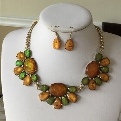 Green and brown lucite stud necklace earring  Brown Stud Necklace