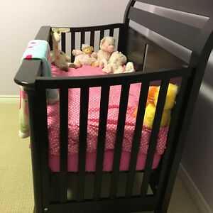 Solid wood crib Kitchener / Waterloo Kitchener Area image 3