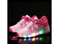 Girls Retractable Wheel Roller Skate Shoes LED Light Up Trainer Child Size 10.5