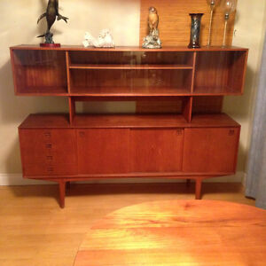 **Price reduced **  Mid Century Ding room set  $4100.00