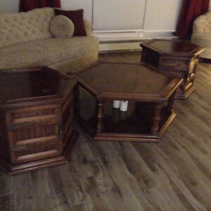 PSSST! Looking for a GREAT DEAL on gently used solid oak tables?