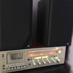 Vintage stereo with speaker