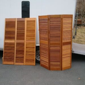 Red Mahognay Louvered Screens