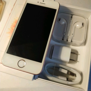 Mint Condition Unlock iPhone SE 64GB rose gold