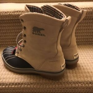New Sorel Boots Size 6