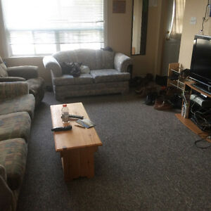 1 bedroom available fore rent in a 4 bedroom house Peterborough Peterborough Area image 2