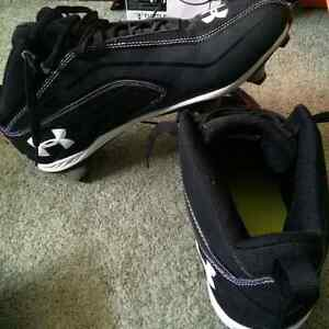 Under armour - size 12 Football cleats