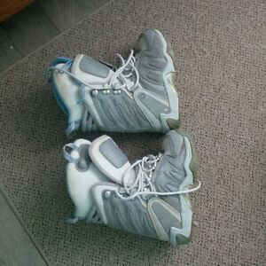 DC snowboard boots size 6 L