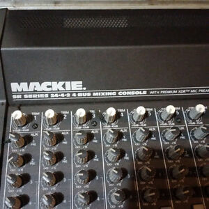 Mackie 24 channel mixer with road case London Ontario image 3